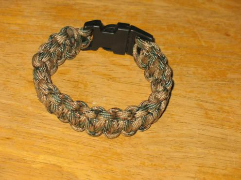 01 cobra bracelet