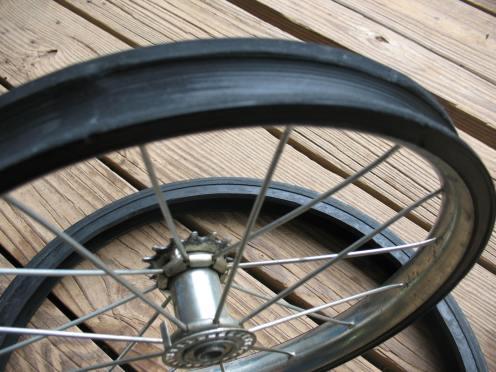 05 grove in tire